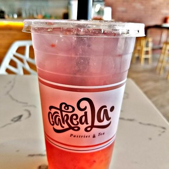 Strawberry Passion Fruit Lemonade @ Caked LA