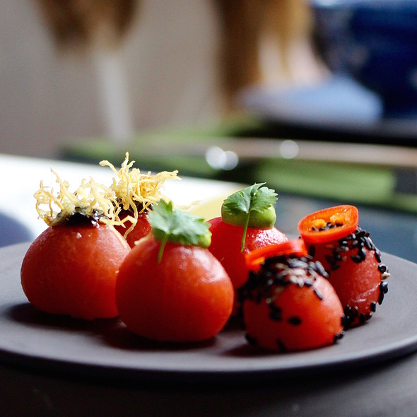 Shabu shabu of tomatoes and Thai basil @ Taiko | Conservatorium Hotel
