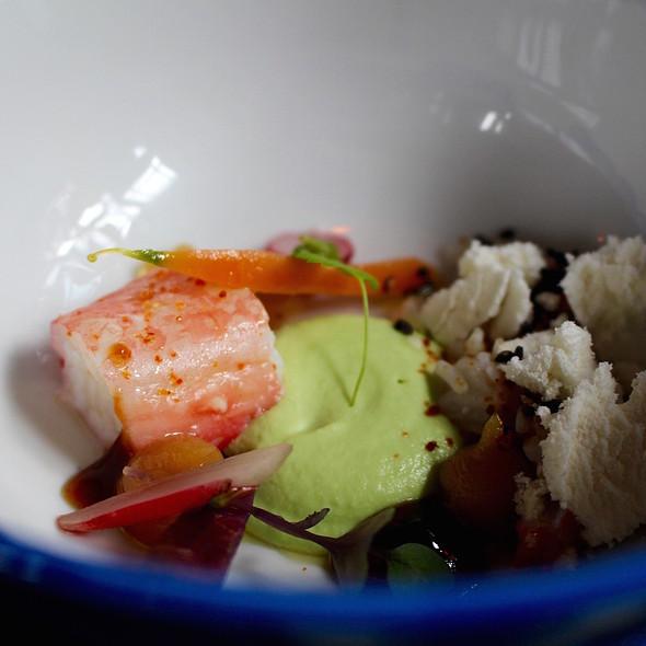 Humus of edamame, king crab and miso