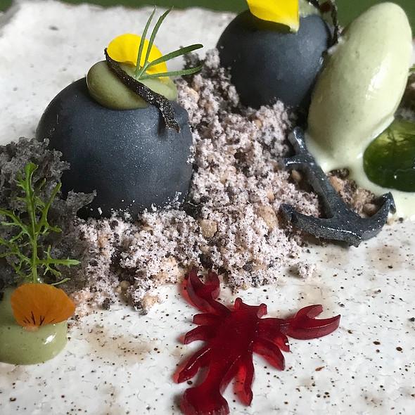 Dessert Home of the Crab @ Taiko | Conservatorium Hotel