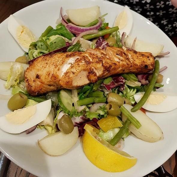 Cajun Salmon Salad