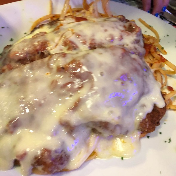 Chicken Parmesan @ Alps Diner