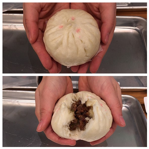 Pork Bao @ Rice & Bones