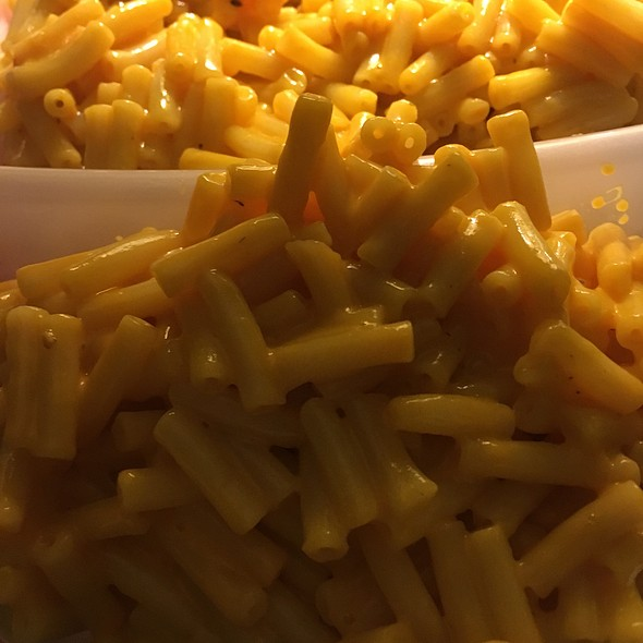 Kraft Mac and Cheese @ Parents House