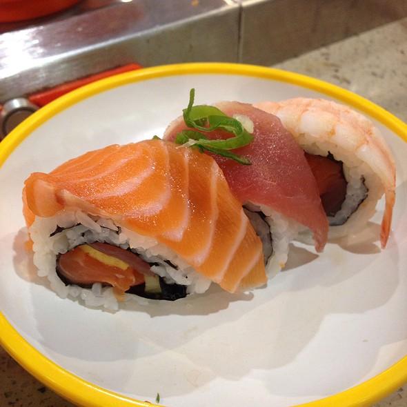 Sushi @ Yo! Sushi
