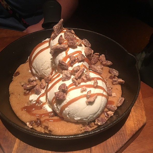 Warm Chocolate Cookie With Ice Cream