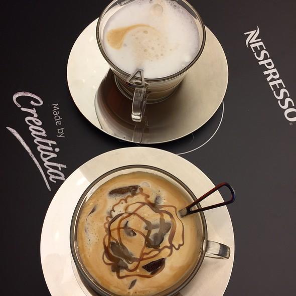 Nespresso Caramel Drizzled Darkun Iced Latte