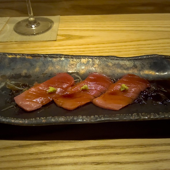 Japanese Chutoro Sashimi with Marinated Onion