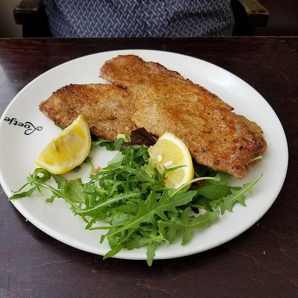 Schnitzel @ Café Loetje