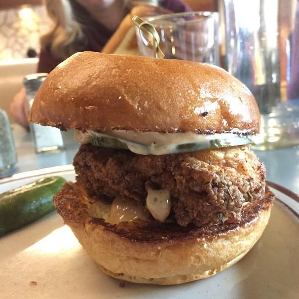 Crispy Chicken Sandwich @ Steuben's