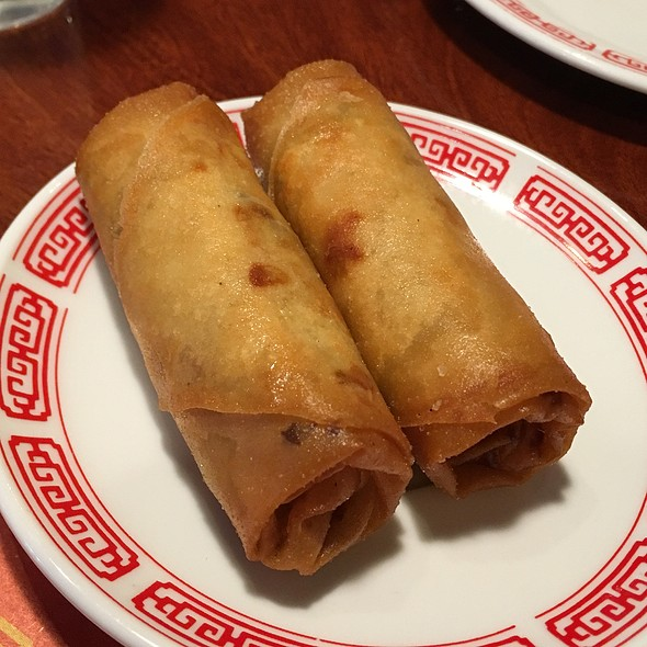 egg rolls @ Yummi House