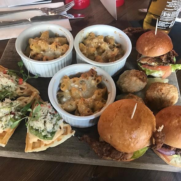 Crab Platter - Burgers, Macaroni, Waffles And Crabcakes