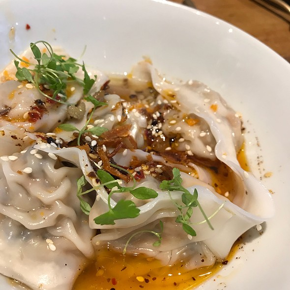 Veggie Dumplings In Chilli Oil