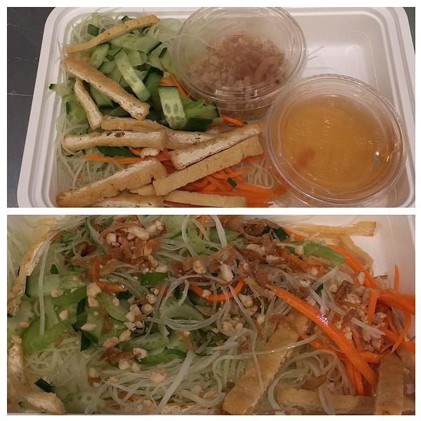 Green Papaya Salad With Tofu @ Rice & Bones