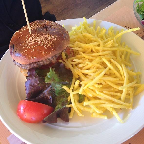 Burger De Boeuf Maison Mariné À La Bière Réduction Guiness