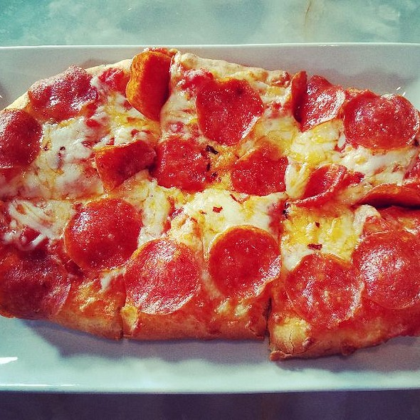 Flatbread Pizza with Pepperoni