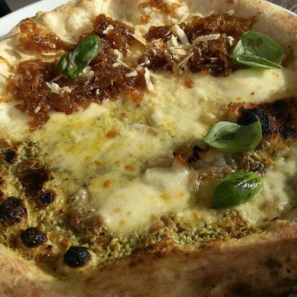 Pizza Caramella + Pizza Pesto @ Spicchi d'autore