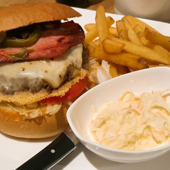 Österreich Burger @ Davi's Burger