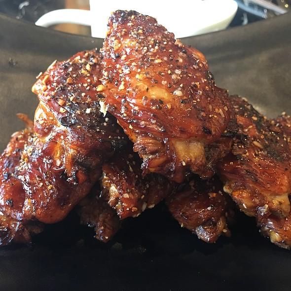 Smoke Garlic Chicken Wings