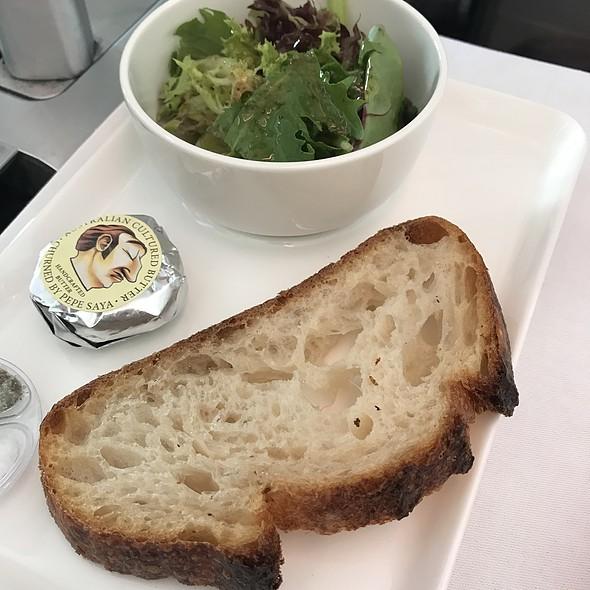 Sourdough And Salad @ Qantas Business Class Qf15