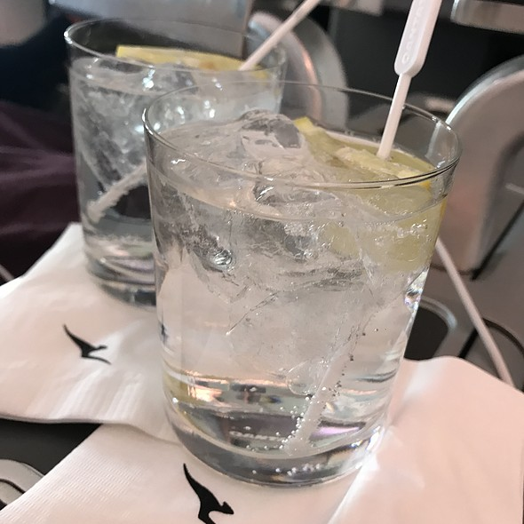 Vodka And Lemonade @ Qantas Business Class Qf15