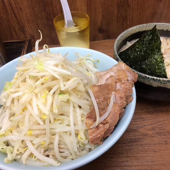 つけ麺 ブタ入り 味玉 ヤサイニンニク