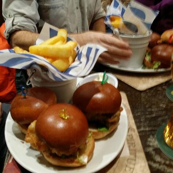 Glen Sliders With Chips. . Beef Burger, Haggis Burger & Chicken Burger  @ The Glen Hotel