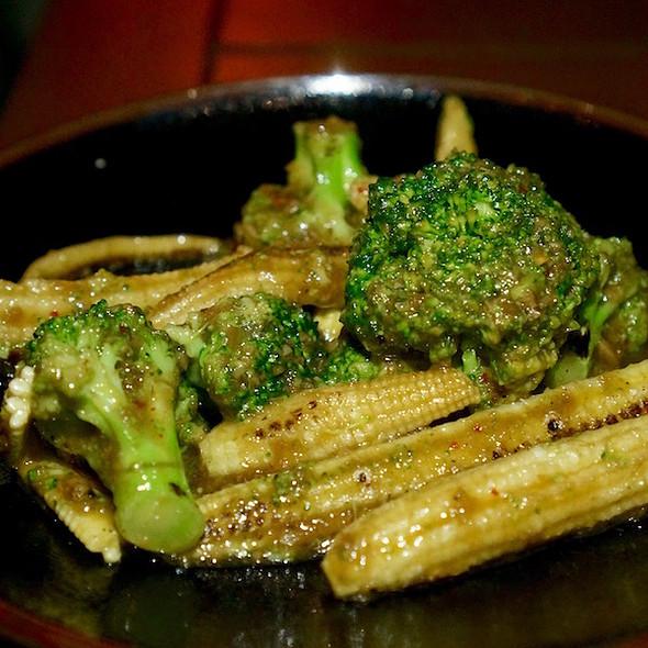 Baby Corn and Broccoli Lemongrass and Chili