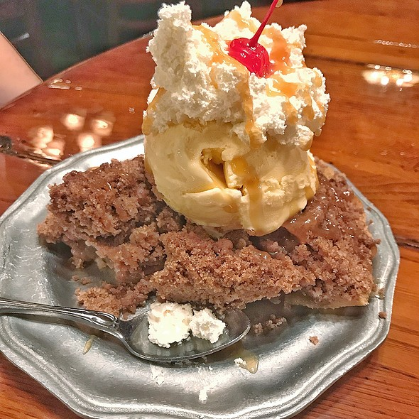 Old Fashioned Butter Crumb Apple Pie @ Patti's 1880s Settlement