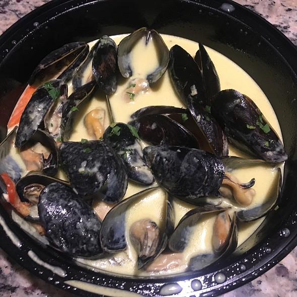 Thai Mussels @ Noosh Nosh