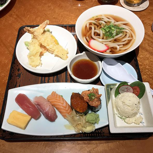 Sushi Set @ Odoriko Restaurant