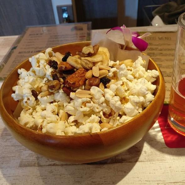 Hurricane Popcorn @ ワイレレ / Wailele