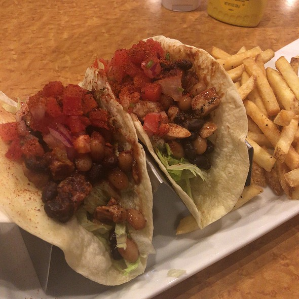 Chicken Tacos @ T.G.I. Friday's 原宿店