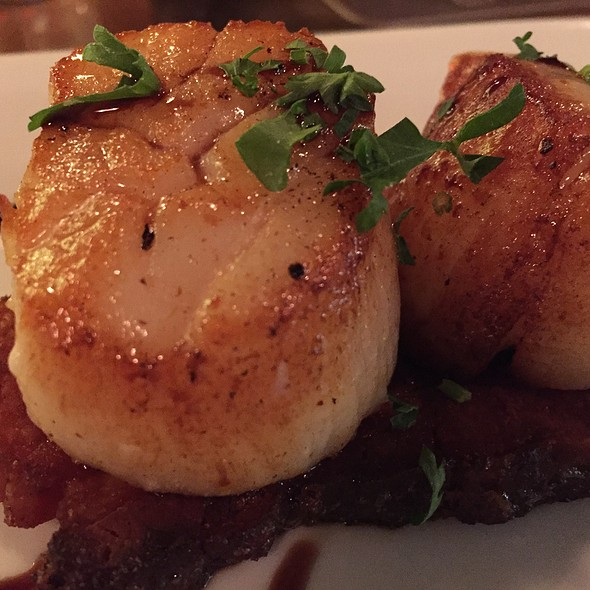 Diver Scallops With Bacon