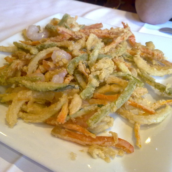 Tempura vegetables with shrimps @ Beef Company