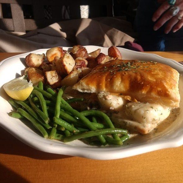 Lobster And Scallop Pie @ The Marina