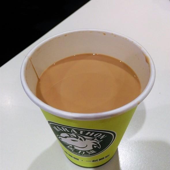 Hot Milk Tea @ 馬力雄咖啡店 Marathon Cafe