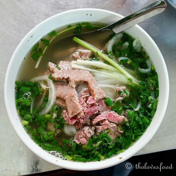Phở Bò (Beef Pho) @ Pho Oanh