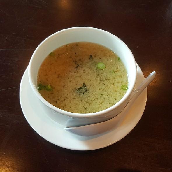 Miso soup ⚪
