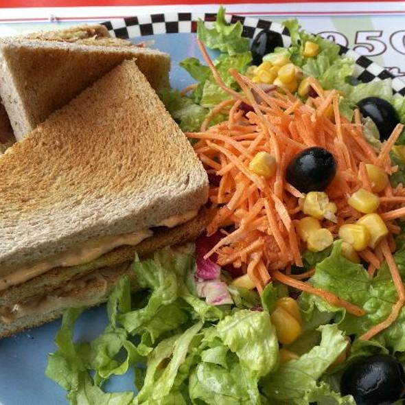 Pastrami Sandwich @ 1950 American Diner