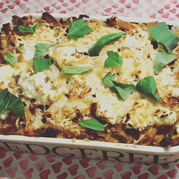 Pasta Bake With Peas, Pancetta And Ricotta