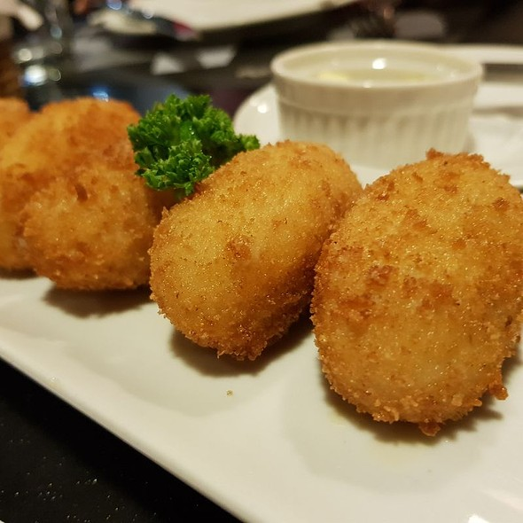 Three Cheese Bechamel Croquettes