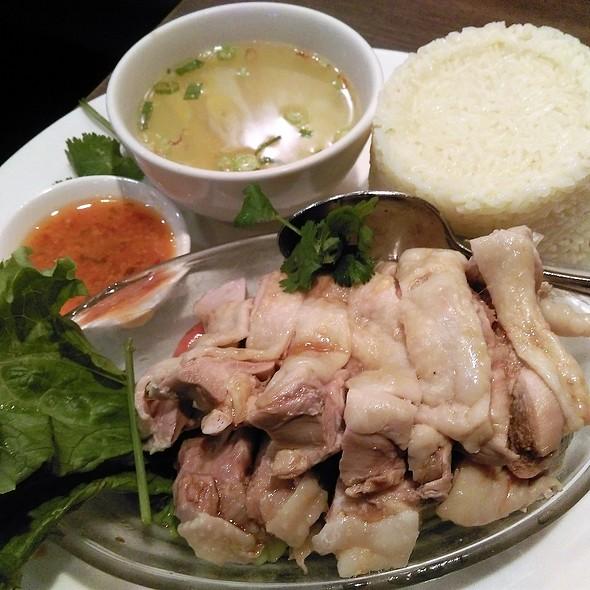 Hainanese Chicken Rice @ Restoran Malaysia