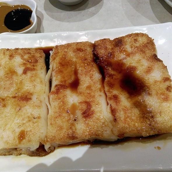 Pan Fried Dried Shrimp Rice Noodle Roll 煎蝦米腸粉 @ Congee Wong
