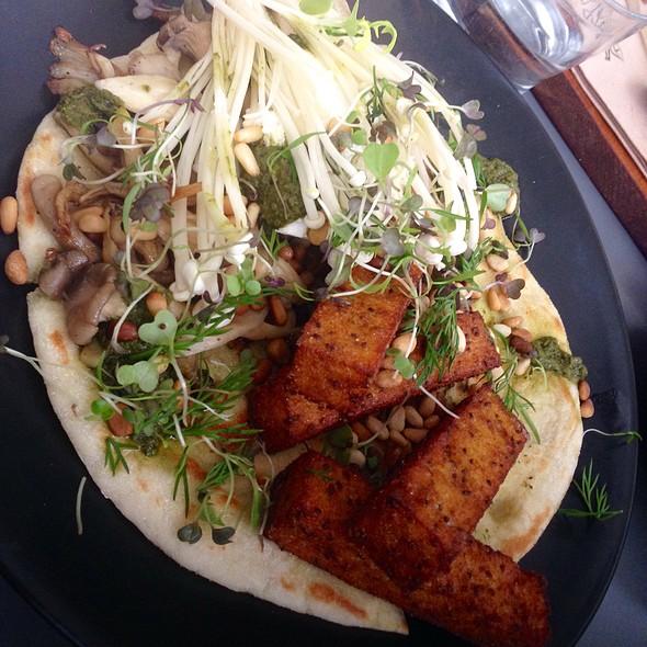 Mushroom Medley W Flatbread & Quiona Polenta Chips @ The Winey Cow