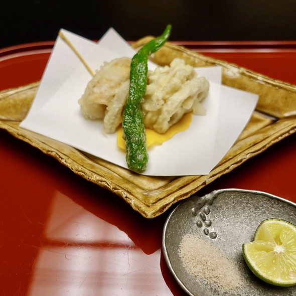 Deep-Fried Lotus Root and Nodoguro Rockfish Sandwich with Kyoto Sweet Pepper, Salt, and Sudachi Lime