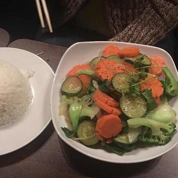 vegetable stir fry @ Vietnam Style