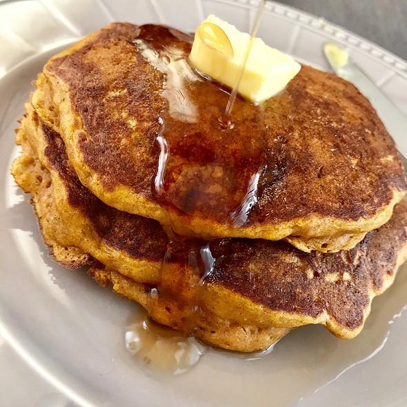 Fluffy Pumpkin Pancakes @ HAFH