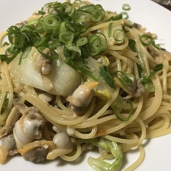 あさりと無農薬白菜のスパゲッティー 大盛 @ Taverna I 不動前店
