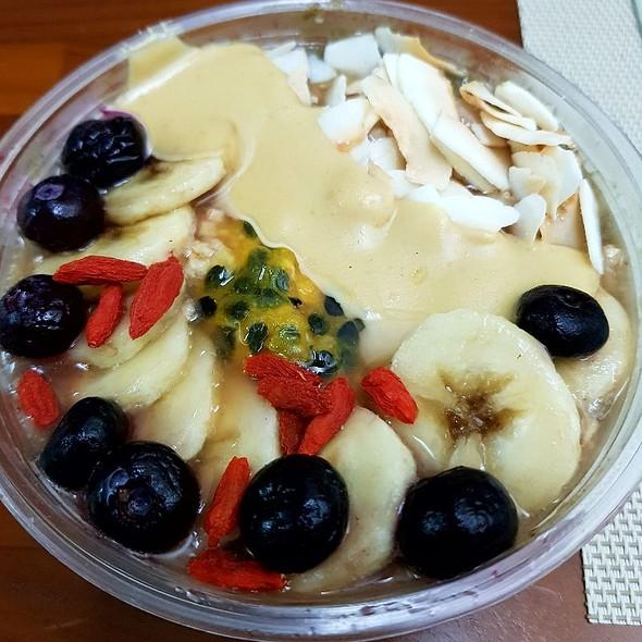 Supergreens Acai bowl